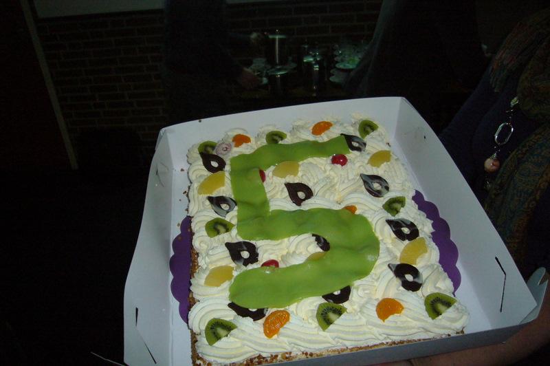 Bloxy Music viert 5e  verjaardag!